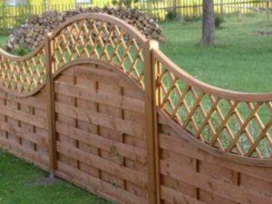 Как сделать красивый забор из дерева своими руками